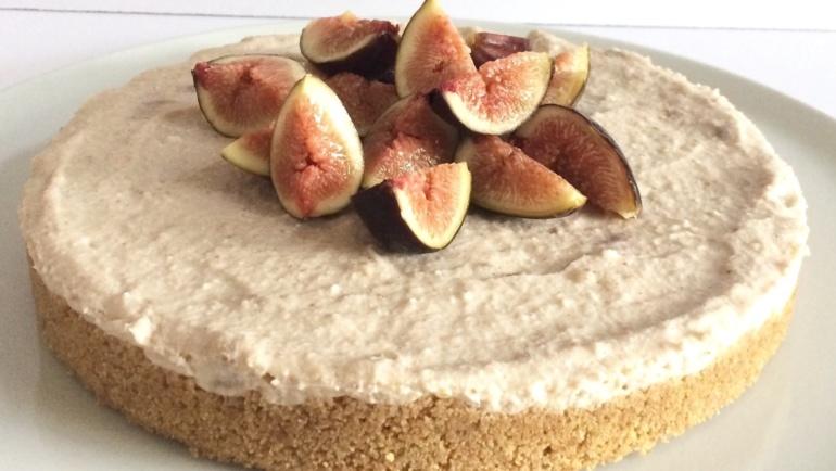 Torta Viky: senza cottura con fichi, noci e cannella. Super!