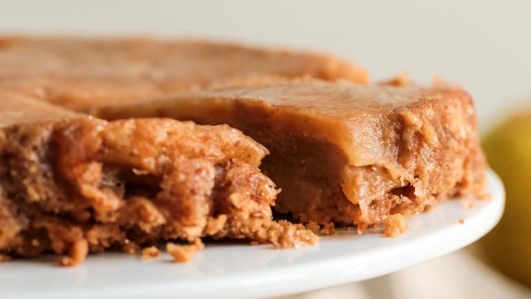 Torta mele e amaretti: 4 ingredienti per una torta strepitosa!