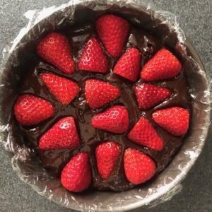 torta_ganache_fragole_teglia