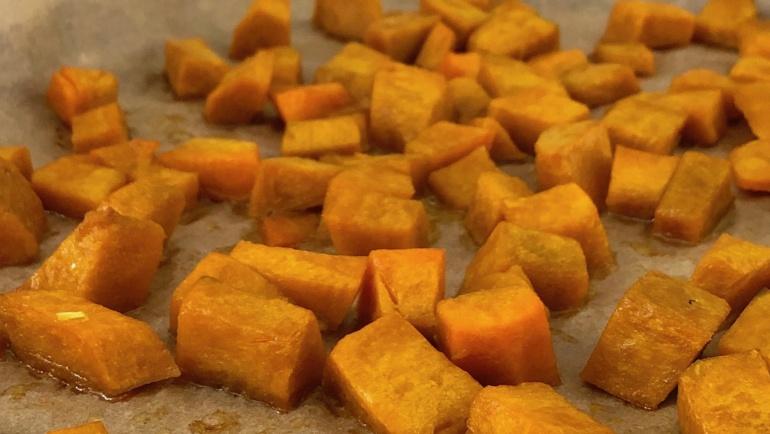 (Italiano) Cubetti di zucca al forno: facili, veloci e strepitosi nella loro semplicità!