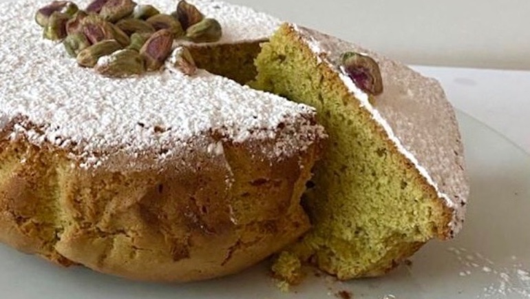 (Italiano) Torta con crema di pistacchi: facilissima, tanto buona e dal sapore di casa!